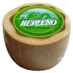 Herreño Cheese White Smoked 1100 g. - 2009 World Silver