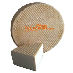 Fuerteventura Artisan Cheese Medium Ripened Natural 1 Kg.